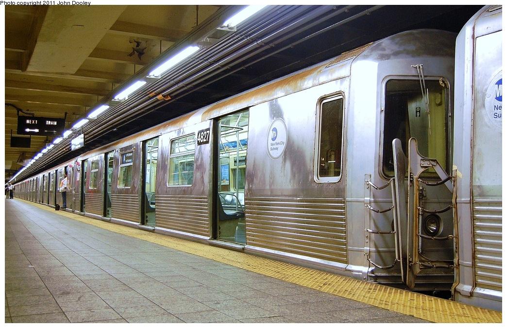 (399k, 1044x675)<br><b>Country:</b> United States<br><b>City:</b> New York<br><b>System:</b> New York City Transit<br><b>Line:</b> IND 8th Avenue Line<br><b>Location:</b> 207th Street <br><b>Route:</b> A<br><b>Car:</b> R-42 (St. Louis, 1969-1970)  4827 <br><b>Photo by:</b> John Dooley<br><b>Date:</b> 8/15/2011<br><b>Viewed (this week/total):</b> 0 / 660