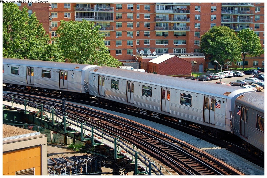 (488k, 1044x698)<br><b>Country:</b> United States<br><b>City:</b> New York<br><b>System:</b> New York City Transit<br><b>Line:</b> BMT Culver Line<br><b>Location:</b> West 8th Street <br><b>Route:</b> F<br><b>Car:</b> R-46 (Pullman-Standard, 1974-75) 5493 <br><b>Photo by:</b> John Dooley<br><b>Date:</b> 8/10/2011<br><b>Viewed (this week/total):</b> 1 / 739