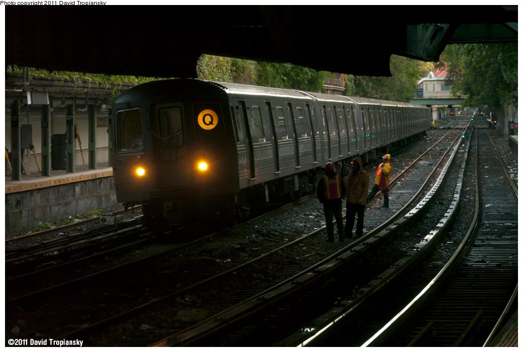 (302k, 1044x703)<br><b>Country:</b> United States<br><b>City:</b> New York<br><b>System:</b> New York City Transit<br><b>Line:</b> BMT Brighton Line<br><b>Location:</b> Beverley Road <br><b>Route:</b> Q<br><b>Car:</b> R-68A (Kawasaki, 1988-1989)  5030 <br><b>Photo by:</b> David Tropiansky<br><b>Date:</b> 10/2/2011<br><b>Viewed (this week/total):</b> 3 / 1475