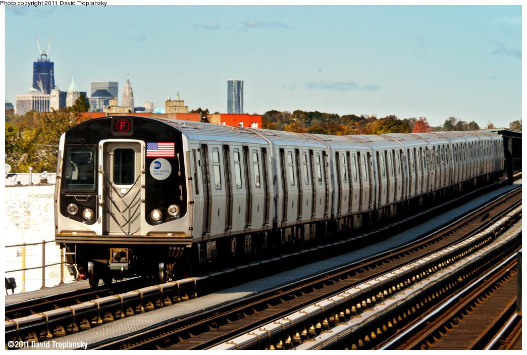 (456k, 1044x703)<br><b>Country:</b> United States<br><b>City:</b> New York<br><b>System:</b> New York City Transit<br><b>Line:</b> BMT Culver Line<br><b>Location:</b> Bay Parkway (22nd Avenue) <br><b>Route:</b> F<br><b>Car:</b> R-160A (Option 1) (Alstom, 2008-2009, 5 car sets)  9493 <br><b>Photo by:</b> David Tropiansky<br><b>Date:</b> 11/4/2011<br><b>Viewed (this week/total):</b> 0 / 779