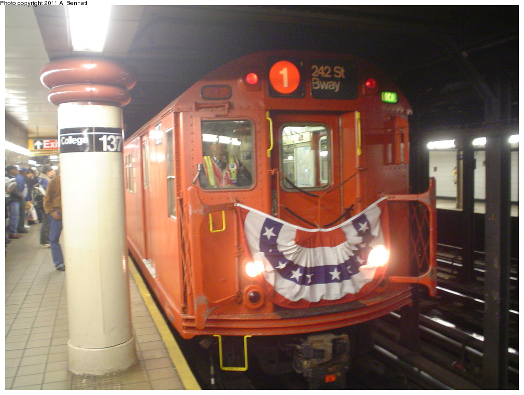 (301k, 1044x788)<br><b>Country:</b> United States<br><b>City:</b> New York<br><b>System:</b> New York City Transit<br><b>Line:</b> IRT West Side Line<br><b>Location:</b> 137th Street/City College <br><b>Route:</b> Fan Trip<br><b>Car:</b> R-33 Main Line (St. Louis, 1962-63) 9017 <br><b>Photo by:</b> Al Bennett, Jr.<br><b>Date:</b> 10/29/2004<br><b>Viewed (this week/total):</b> 0 / 2173