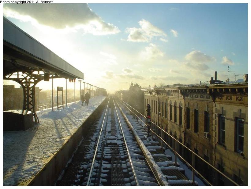 (168k, 820x620)<br><b>Country:</b> United States<br><b>City:</b> New York<br><b>System:</b> New York City Transit<br><b>Line:</b> BMT Nassau Street/Jamaica Line<br><b>Location:</b> Crescent Street <br><b>Photo by:</b> Al Bennett, Jr.<br><b>Viewed (this week/total):</b> 1 / 1306