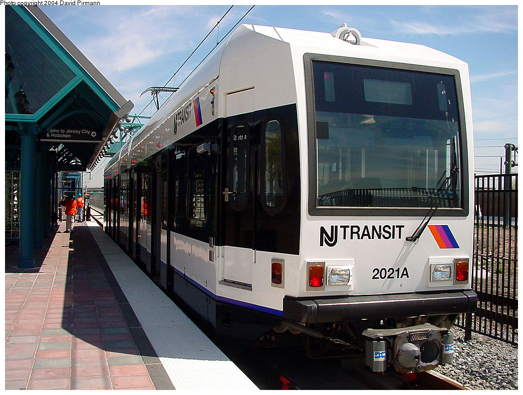 (277k, 1044x788)<br><b>Country:</b> United States<br><b>City:</b> Bayonne, NJ<br><b>System:</b> Hudson Bergen Light Rail<br><b>Location:</b> East 34th Street <br><b>Car:</b> NJT-HBLR LRV (Kinki-Sharyo, 1998-99)  2021 <br><b>Photo by:</b> David Pirmann<br><b>Date:</b> 4/29/2000<br><b>Viewed (this week/total):</b> 1 / 3157