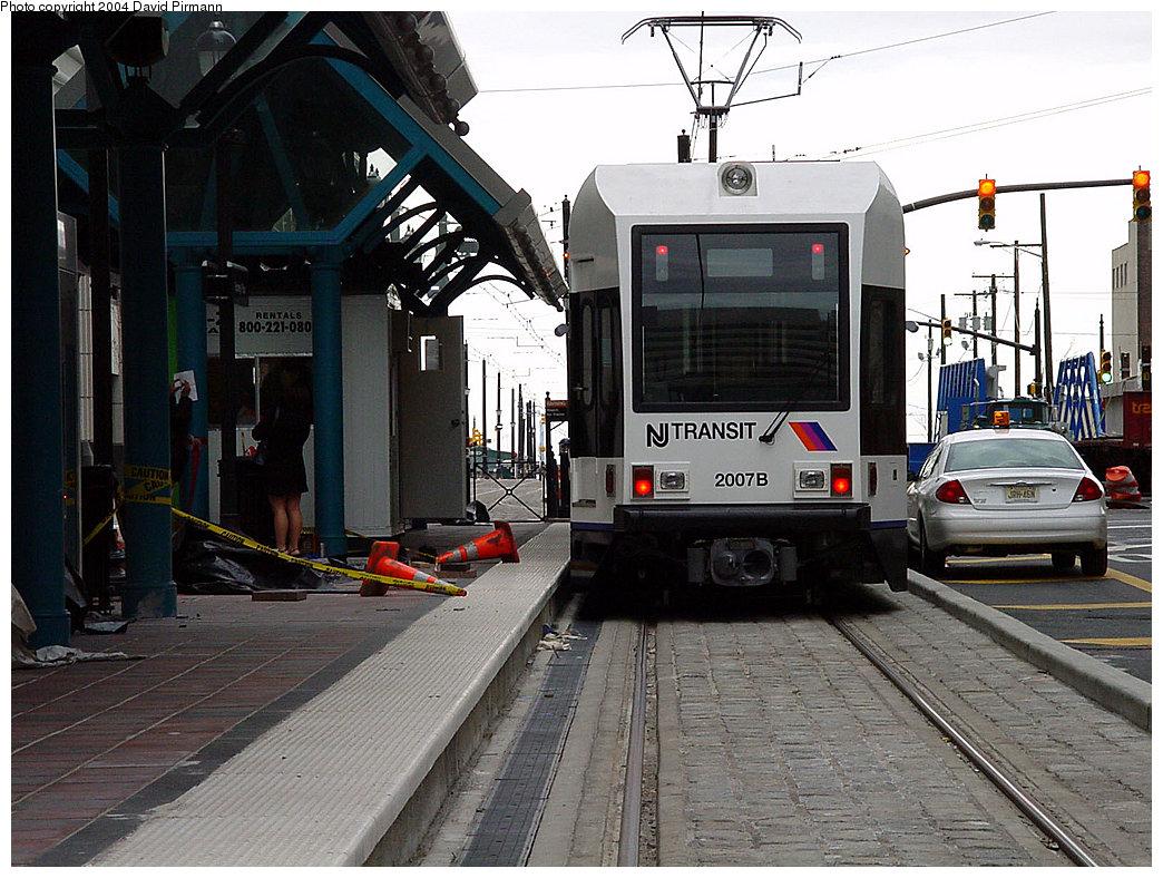 (257k, 1044x788)<br><b>Country:</b> United States<br><b>City:</b> Jersey City, NJ<br><b>System:</b> Hudson Bergen Light Rail<br><b>Location:</b> Exchange Place <br><b>Car:</b> NJT-HBLR LRV (Kinki-Sharyo, 1998-99)  2007 <br><b>Photo by:</b> David Pirmann<br><b>Date:</b> 3/26/2000<br><b>Viewed (this week/total):</b> 0 / 2565