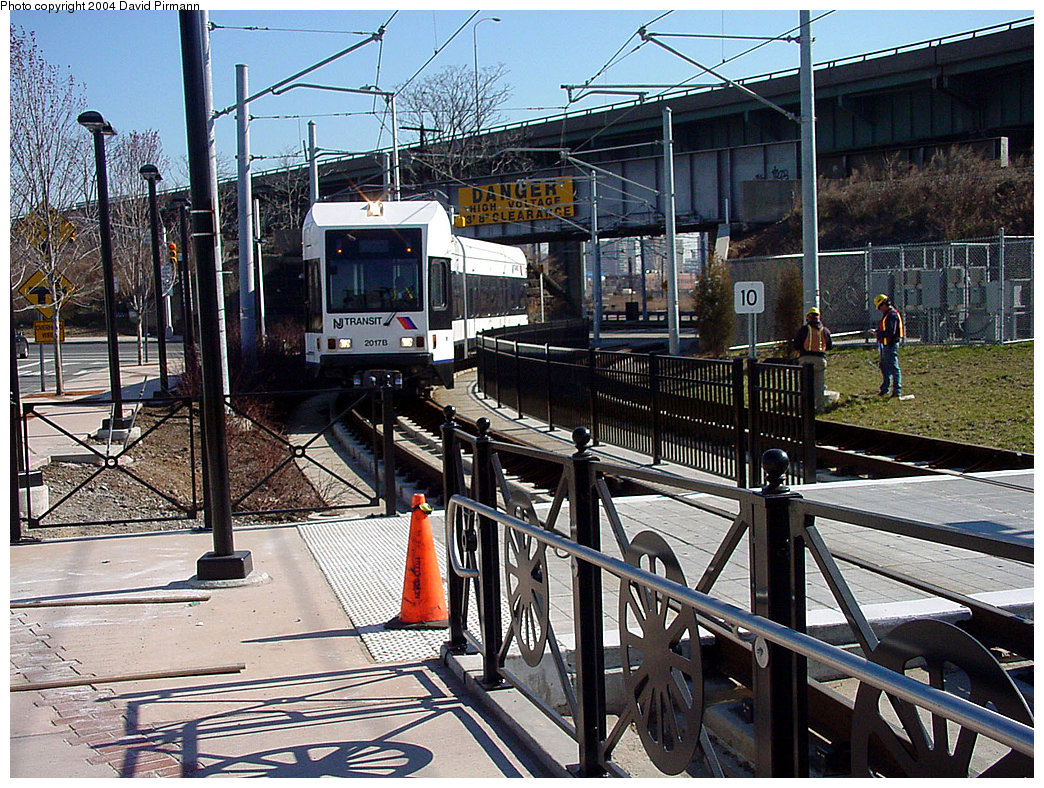 (355k, 1044x788)<br><b>Country:</b> United States<br><b>City:</b> Jersey City, NJ<br><b>System:</b> Hudson Bergen Light Rail<br><b>Location:</b> Liberty State Park <br><b>Car:</b> NJT-HBLR LRV (Kinki-Sharyo, 1998-99)  2017 <br><b>Photo by:</b> David Pirmann<br><b>Date:</b> 3/25/2000<br><b>Viewed (this week/total):</b> 3 / 2299