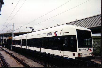 (21k, 432x288)<br><b>Country:</b> United States<br><b>City:</b> Jersey City, NJ<br><b>System:</b> Hudson Bergen Light Rail<br><b>Location:</b> Liberty State Park <br><b>Car:</b> NJT-HBLR LRV (Kinki-Sharyo, 1998-99)  2019 <br><b>Photo by:</b> Jose Soltren<br><b>Date:</b> 4/23/2000<br><b>Viewed (this week/total):</b> 0 / 2824