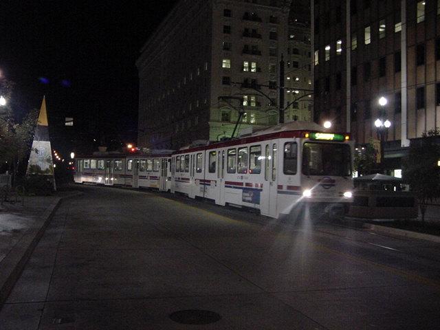(61k, 640x480)<br><b>Country:</b> United States<br><b>City:</b> Salt Lake City, UT<br><b>System:</b> TRAX<br><b>Photo by:</b> Salaam Allah<br><b>Date:</b> 10/8/2002<br><b>Viewed (this week/total):</b> 0 / 3668