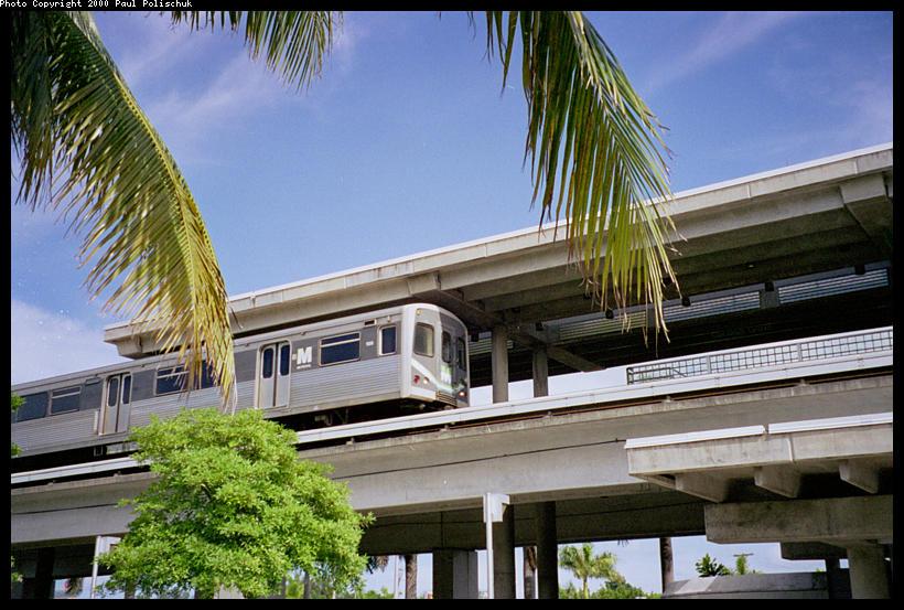 (109k, 820x553)<br><b>Country:</b> United States<br><b>City:</b> Miami, FL<br><b>System:</b> Miami Metrorail<br><b>Location:</b> Coconut Grove <br><b>Photo by:</b> Paul Polischuk<br><b>Date:</b> 8/2000<br><b>Viewed (this week/total):</b> 0 / 4292