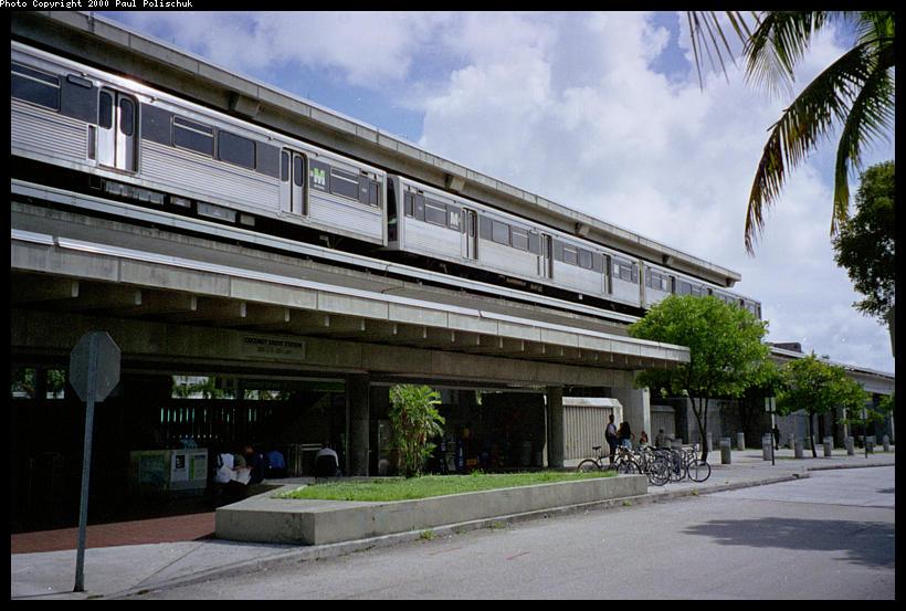 (96k, 820x553)<br><b>Country:</b> United States<br><b>City:</b> Miami, FL<br><b>System:</b> Miami Metrorail<br><b>Location:</b> Coconut Grove <br><b>Photo by:</b> Paul Polischuk<br><b>Date:</b> 8/2000<br><b>Viewed (this week/total):</b> 0 / 4880