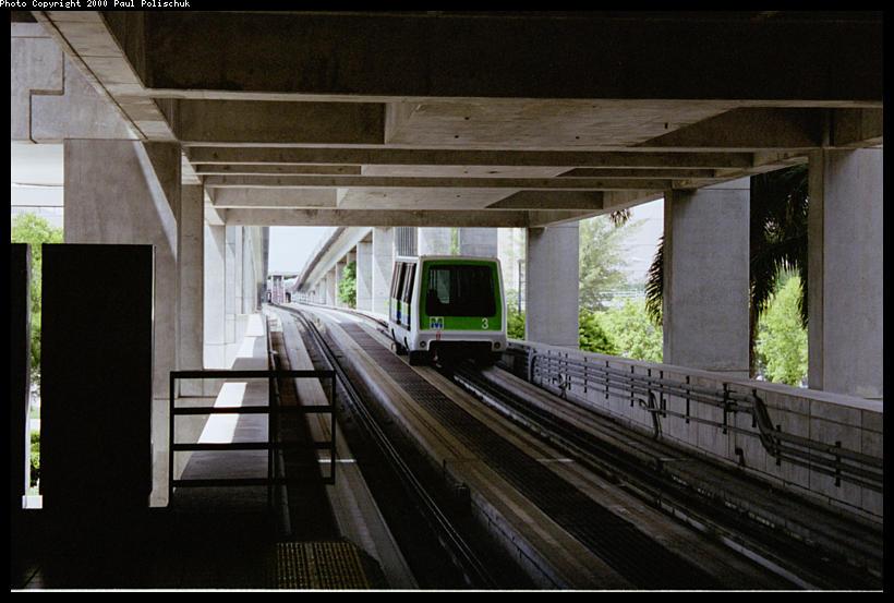 (75k, 820x553)<br><b>Country:</b> United States<br><b>City:</b> Miami, FL<br><b>System:</b> Miami Metromover<br><b>Location:</b> Government Center <br><b>Photo by:</b> Paul Polischuk<br><b>Date:</b> 8/2000<br><b>Viewed (this week/total):</b> 3 / 3785