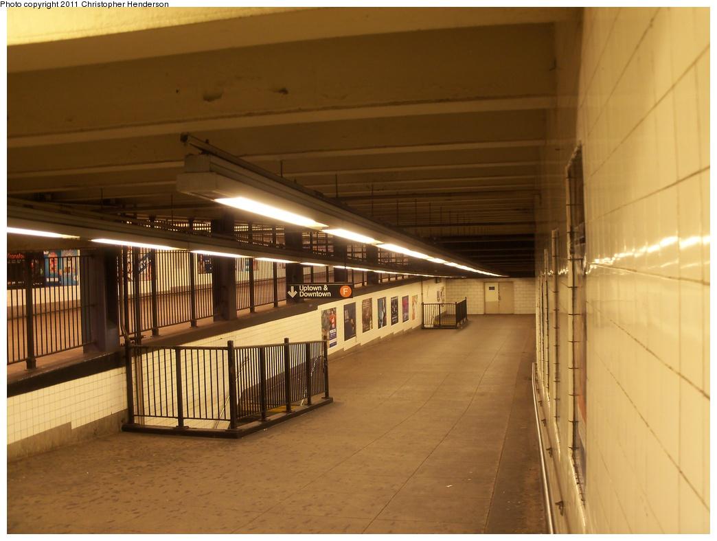 (283k, 1044x788)<br><b>Country:</b> United States<br><b>City:</b> New York<br><b>System:</b> New York City Transit<br><b>Line:</b> IND 6th Avenue Line<br><b>Location:</b> East Broadway <br><b>Photo by:</b> Christopher Henderson<br><b>Date:</b> 11/14/2011<br><b>Notes:</b> Mezzanine areas at E. Broadway.<br><b>Viewed (this week/total):</b> 0 / 1535
