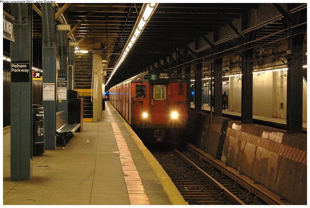 (413k, 1044x701)<br><b>Country:</b> United States<br><b>City:</b> New York<br><b>System:</b> New York City Transit<br><b>Line:</b> IRT Dyre Ave. Line<br><b>Location:</b> Pelham Parkway <br><b>Route:</b> Work Service<br><b>Car:</b> R-28 (American Car & Foundry, 1960-61) 7925 <br><b>Photo by:</b> John Dooley<br><b>Date:</b> 10/29/2011<br><b>Viewed (this week/total):</b> 0 / 1588