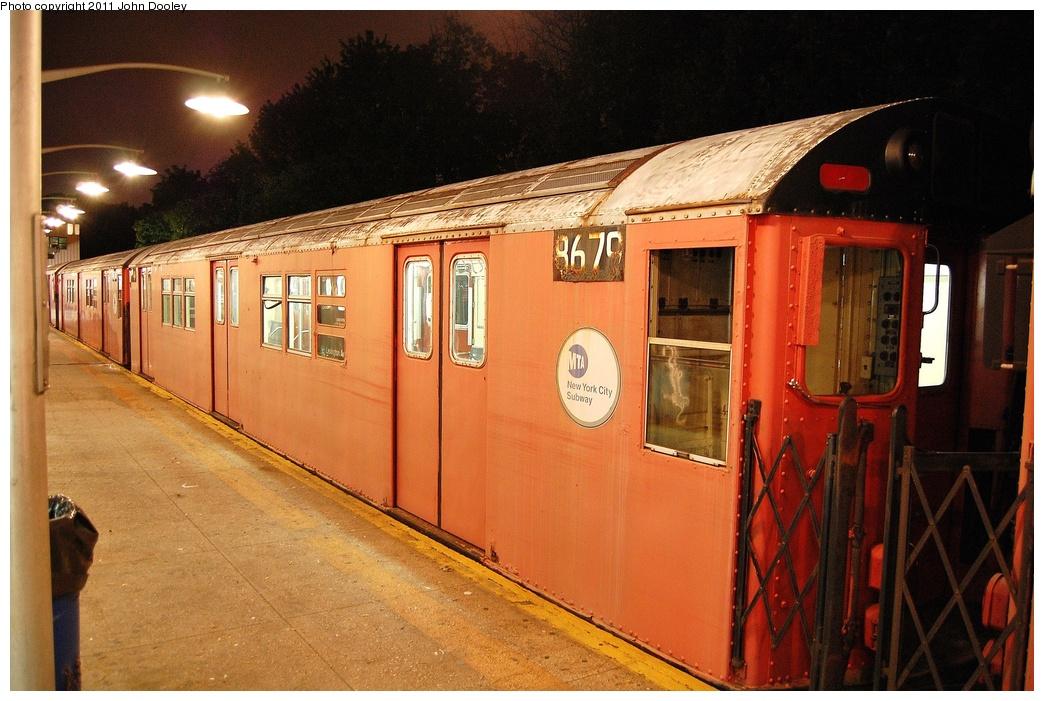 (342k, 1044x701)<br><b>Country:</b> United States<br><b>City:</b> New York<br><b>System:</b> New York City Transit<br><b>Line:</b> IRT Dyre Ave. Line<br><b>Location:</b> Dyre Avenue <br><b>Route:</b> Work Service<br><b>Car:</b> R-29 (St. Louis, 1962) 8679 <br><b>Photo by:</b> John Dooley<br><b>Date:</b> 10/29/2011<br><b>Viewed (this week/total):</b> 0 / 1170