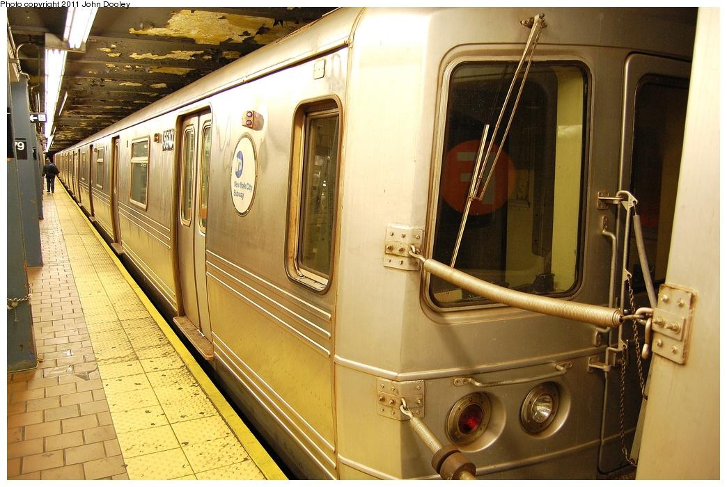 (355k, 1044x700)<br><b>Country:</b> United States<br><b>City:</b> New York<br><b>System:</b> New York City Transit<br><b>Line:</b> IND Queens Boulevard Line<br><b>Location:</b> 179th Street <br><b>Route:</b> F<br><b>Car:</b> R-46 (Pullman-Standard, 1974-75) 5510 <br><b>Photo by:</b> John Dooley<br><b>Date:</b> 10/30/2011<br><b>Viewed (this week/total):</b> 2 / 1161