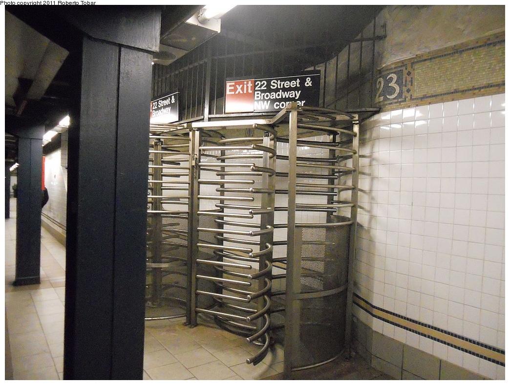 (336k, 1044x788)<br><b>Country:</b> United States<br><b>City:</b> New York<br><b>System:</b> New York City Transit<br><b>Line:</b> BMT Broadway Line<br><b>Location:</b> 23rd Street <br><b>Photo by:</b> Roberto C. Tobar<br><b>Date:</b> 10/21/2011<br><b>Viewed (this week/total):</b> 3 / 744