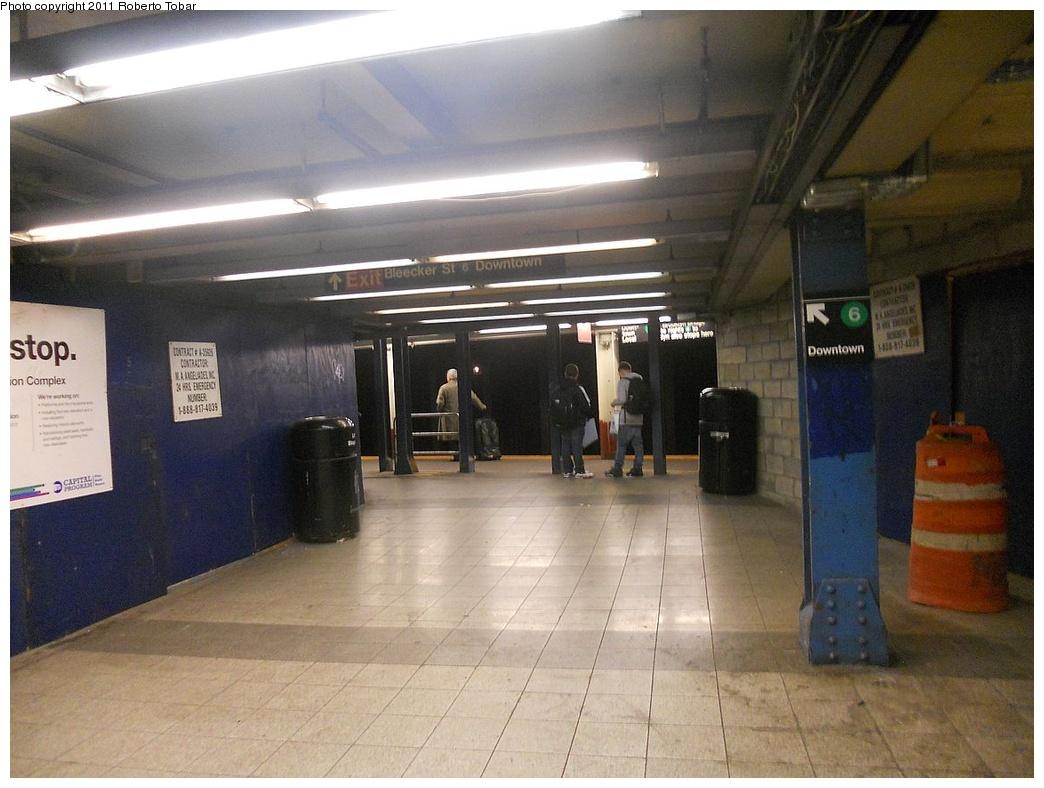 (270k, 1044x788)<br><b>Country:</b> United States<br><b>City:</b> New York<br><b>System:</b> New York City Transit<br><b>Line:</b> IRT East Side Line<br><b>Location:</b> Bleecker Street <br><b>Photo by:</b> Roberto C. Tobar<br><b>Date:</b> 11/11/2011<br><b>Viewed (this week/total):</b> 0 / 1067