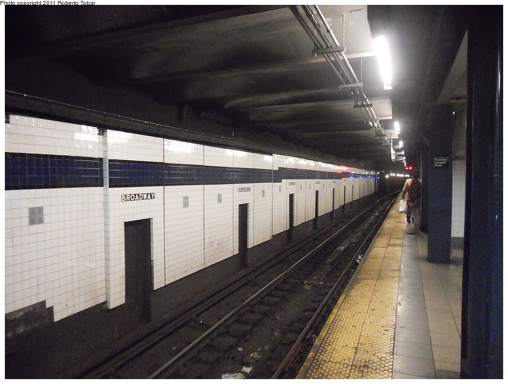 (334k, 1044x788)<br><b>Country:</b> United States<br><b>City:</b> New York<br><b>System:</b> New York City Transit<br><b>Line:</b> IND 6th Avenue Line<br><b>Location:</b> Broadway/Lafayette <br><b>Photo by:</b> Roberto C. Tobar<br><b>Date:</b> 11/11/2011<br><b>Viewed (this week/total):</b> 0 / 842