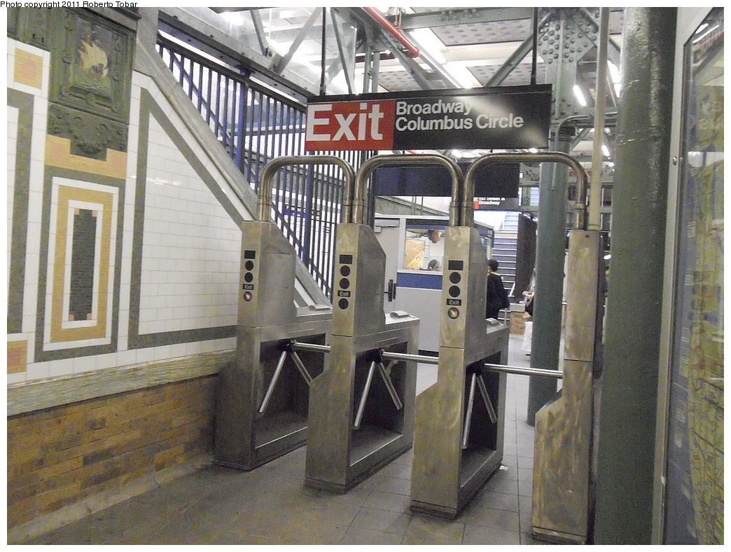(392k, 1044x788)<br><b>Country:</b> United States<br><b>City:</b> New York<br><b>System:</b> New York City Transit<br><b>Line:</b> IRT West Side Line<br><b>Location:</b> 59th Street/Columbus Circle <br><b>Photo by:</b> Roberto C. Tobar<br><b>Date:</b> 8/19/2011<br><b>Viewed (this week/total):</b> 15 / 858