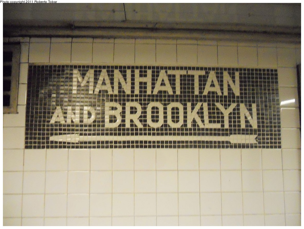 (280k, 1044x788)<br><b>Country:</b> United States<br><b>City:</b> New York<br><b>System:</b> New York City Transit<br><b>Line:</b> IND Queens Boulevard Line<br><b>Location:</b> Steinway Street<br><b>Photo by:</b> Roberto C. Tobar<br><b>Date:</b> 11/23/2011<br><b>Viewed (this week/total):</b> 1 / 1427