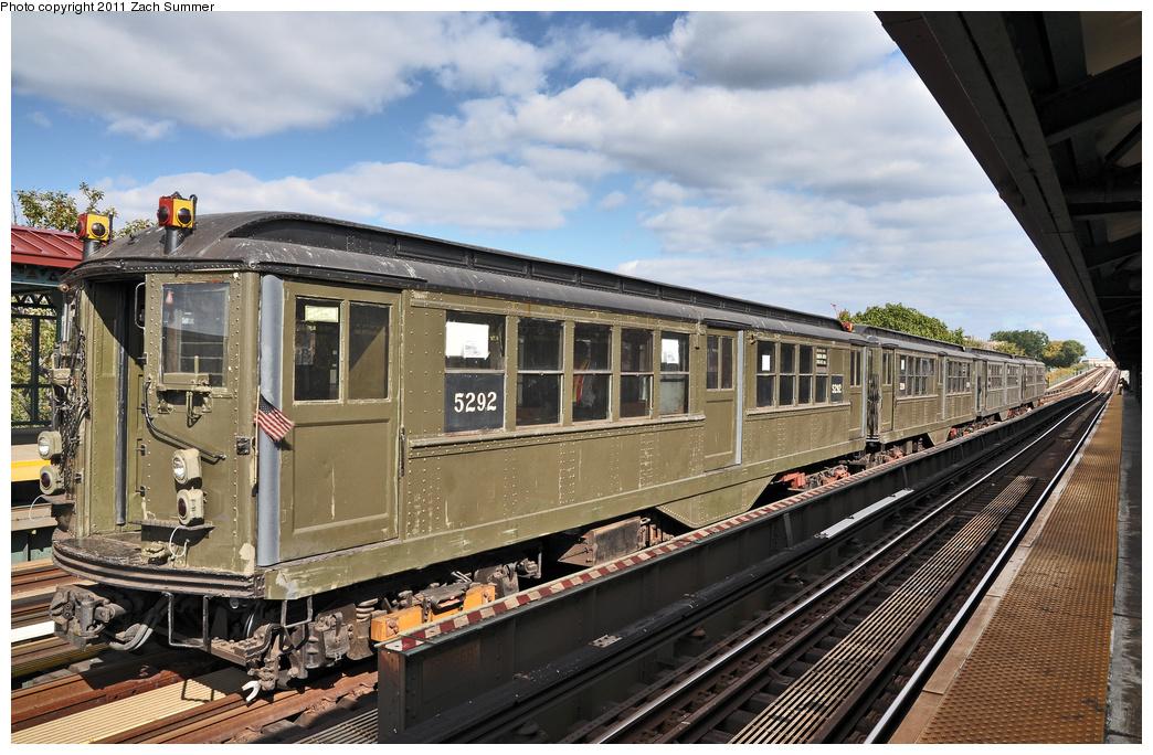 (396k, 1044x684)<br><b>Country:</b> United States<br><b>City:</b> New York<br><b>System:</b> New York City Transit<br><b>Line:</b> IRT Woodlawn Line<br><b>Location:</b> Mosholu Parkway <br><b>Route:</b> Fan Trip<br><b>Car:</b> Low-V (Museum Train) 5292 <br><b>Photo by:</b> Zach Summer<br><b>Date:</b> 10/23/2011<br><b>Viewed (this week/total):</b> 0 / 1064