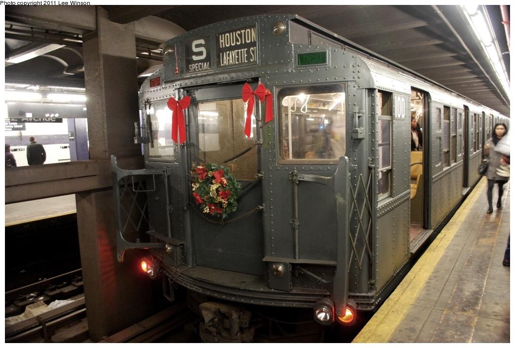 (285k, 1044x705)<br><b>Country:</b> United States<br><b>City:</b> New York<br><b>System:</b> New York City Transit<br><b>Line:</b> IND 6th Avenue Line<br><b>Location:</b> 2nd Avenue <br><b>Route:</b> Fan Trip<br><b>Car:</b> R-1 (American Car & Foundry, 1930-1931) 100 <br><b>Photo by:</b> Lee Winson<br><b>Date:</b> 11/26/2011<br><b>Viewed (this week/total):</b> 0 / 854