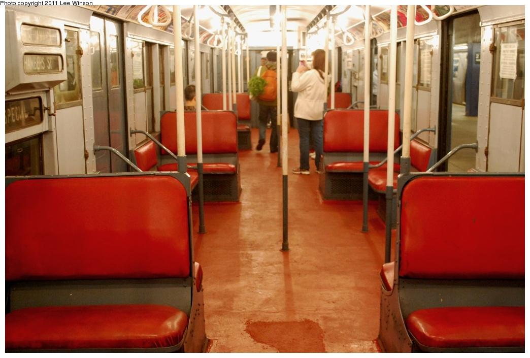 (252k, 1044x705)<br><b>Country:</b> United States<br><b>City:</b> New York<br><b>System:</b> New York City Transit<br><b>Route:</b> Fan Trip<br><b>Car:</b> R-4 (American Car & Foundry, 1932-1933) 401 <br><b>Photo by:</b> Lee Winson<br><b>Date:</b> 11/26/2011<br><b>Viewed (this week/total):</b> 2 / 2187