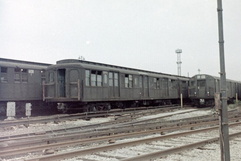 (221k, 1044x703)<br><b>Country:</b> United States<br><b>City:</b> New York<br><b>System:</b> New York City Transit<br><b>Location:</b> 36th Street Yard<br><b>Car:</b> BMT Elevated Gate Car 1309 <br><b>Collection of:</b> Joel Shanus<br><b>Date:</b> 1948<br><b>Viewed (this week/total):</b> 0 / 1267