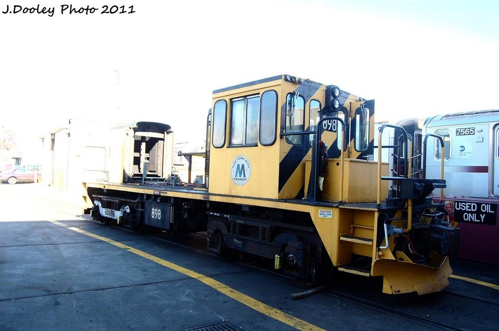 (246k, 1024x680)<br><b>Country:</b> United States<br><b>City:</b> New York<br><b>System:</b> New York City Transit<br><b>Location:</b> Westchester Yard<br><b>Car:</b> R-77 Locomotive  898 <br><b>Photo by:</b> John Dooley<br><b>Date:</b> 11/5/2011<br><b>Notes:</b> Prime mover removed for SMS<br><b>Viewed (this week/total):</b> 1 / 584