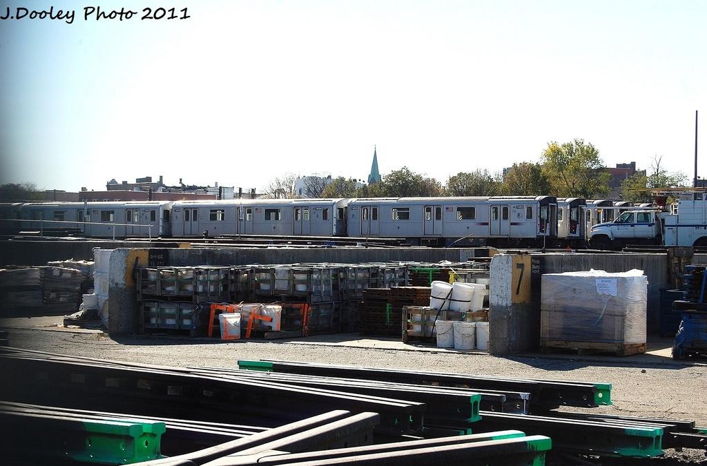 (298k, 1024x675)<br><b>Country:</b> United States<br><b>City:</b> New York<br><b>System:</b> New York City Transit<br><b>Location:</b> Westchester Yard<br><b>Car:</b> R-142A (Primary Order, Kawasaki, 1999-2002)  7485 <br><b>Photo by:</b> John Dooley<br><b>Date:</b> 11/5/2011<br><b>Viewed (this week/total):</b> 0 / 728