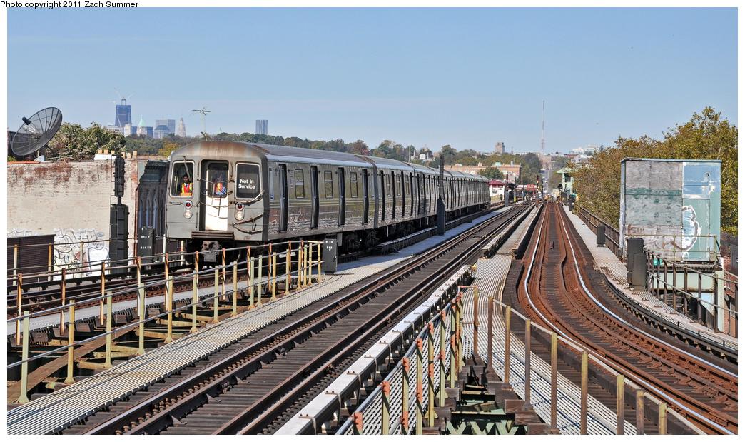 (419k, 1044x619)<br><b>Country:</b> United States<br><b>City:</b> New York<br><b>System:</b> New York City Transit<br><b>Line:</b> BMT Culver Line<br><b>Location:</b> 18th Avenue <br><b>Route:</b> School Car<br><b>Car:</b> R-68 (Westinghouse-Amrail, 1986-1988)  2566 <br><b>Photo by:</b> Zach Summer<br><b>Date:</b> 10/28/2011<br><b>Viewed (this week/total):</b> 2 / 1282