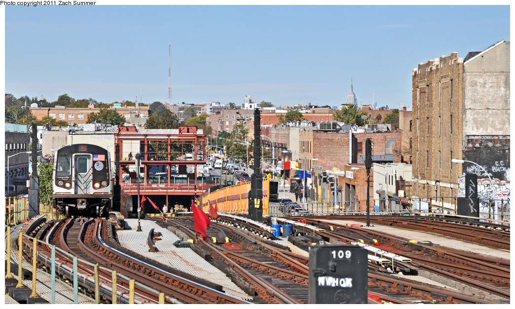 (433k, 1044x626)<br><b>Country:</b> United States<br><b>City:</b> New York<br><b>System:</b> New York City Transit<br><b>Line:</b> BMT Culver Line<br><b>Location:</b> Ditmas Avenue <br><b>Route:</b> F<br><b>Car:</b> R-160A (Option 1) (Alstom, 2008-2009, 5 car sets)  9303 <br><b>Photo by:</b> Zach Summer<br><b>Date:</b> 10/28/2011<br><b>Viewed (this week/total):</b> 1 / 1689