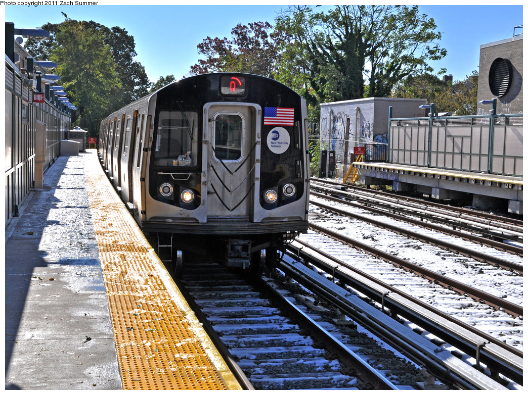 (622k, 1044x782)<br><b>Country:</b> United States<br><b>City:</b> New York<br><b>System:</b> New York City Transit<br><b>Line:</b> BMT Brighton Line<br><b>Location:</b> Avenue H<br><b>Route:</b> Q<br><b>Car:</b> R-160B (Kawasaki, 2005-2008) 8823 <br><b>Photo by:</b> Zach Summer<br><b>Date:</b> 10/30/2011<br><b>Viewed (this week/total):</b> 0 / 1620