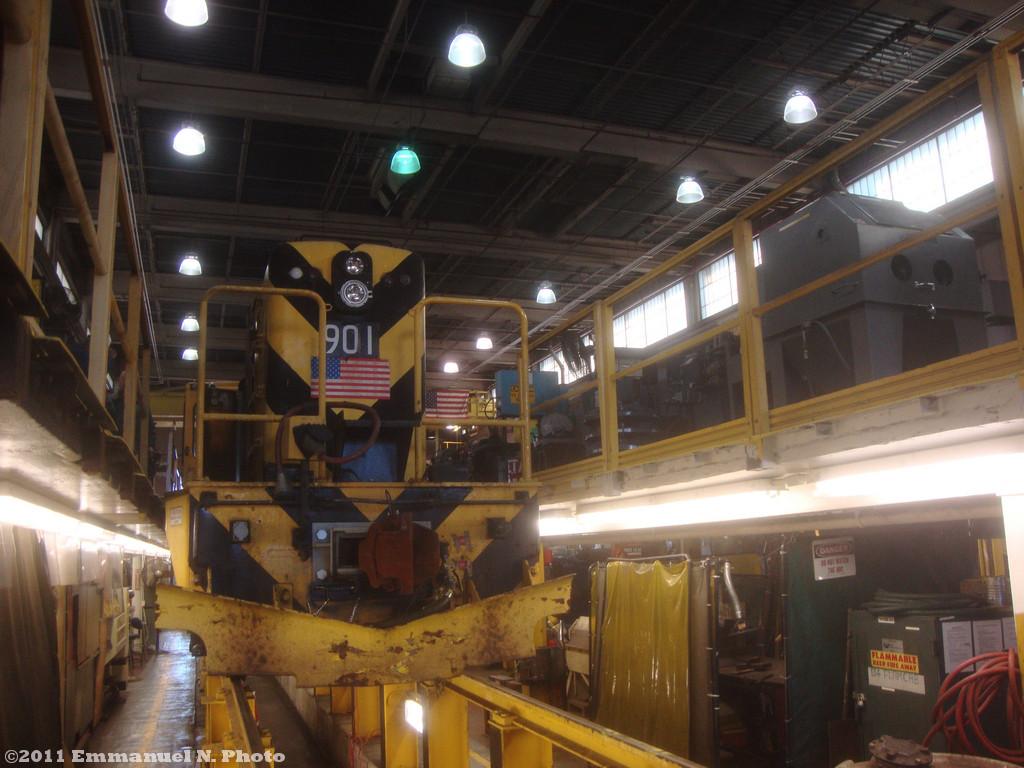 (231k, 1024x768)<br><b>Country:</b> United States<br><b>City:</b> New York<br><b>System:</b> New York City Transit<br><b>Location:</b> Westchester Yard<br><b>Car:</b> R-77 Locomotive  901 <br><b>Photo by:</b> Emmanuel Nicolas<br><b>Date:</b> 11/5/2011<br><b>Viewed (this week/total):</b> 6 / 586