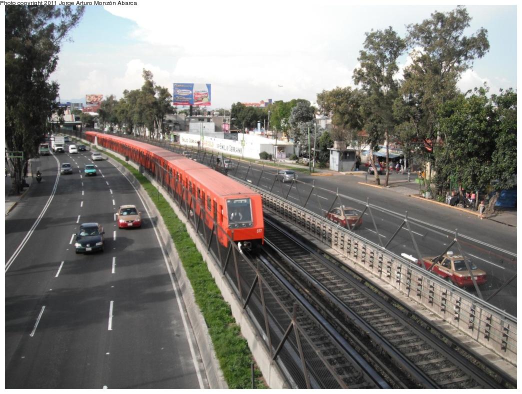(337k, 1044x788)<br><b>Country:</b> Mexico<br><b>City:</b> Mexico City<br><b>System:</b> Mexico City Metro (Sistema de Transporte Colectivo Metro - STM)<br><b>Line:</b> STC Metro Line 8<br><b>Location:</b> Coyuya<br><b>Photo by:</b> Jorge Arturo Monzón Abarca<br><b>Date:</b> 9/16/2011<br><b>Viewed (this week/total):</b> 0 / 430