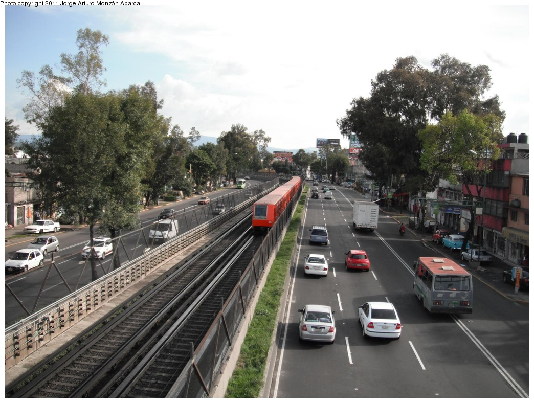 (311k, 1044x788)<br><b>Country:</b> Mexico<br><b>City:</b> Mexico City<br><b>System:</b> Mexico City Metro (Sistema de Transporte Colectivo Metro - STM)<br><b>Line:</b> STC Metro Line 8<br><b>Location:</b> Coyuya<br><b>Photo by:</b> Jorge Arturo Monzón Abarca<br><b>Date:</b> 9/16/2011<br><b>Viewed (this week/total):</b> 0 / 382