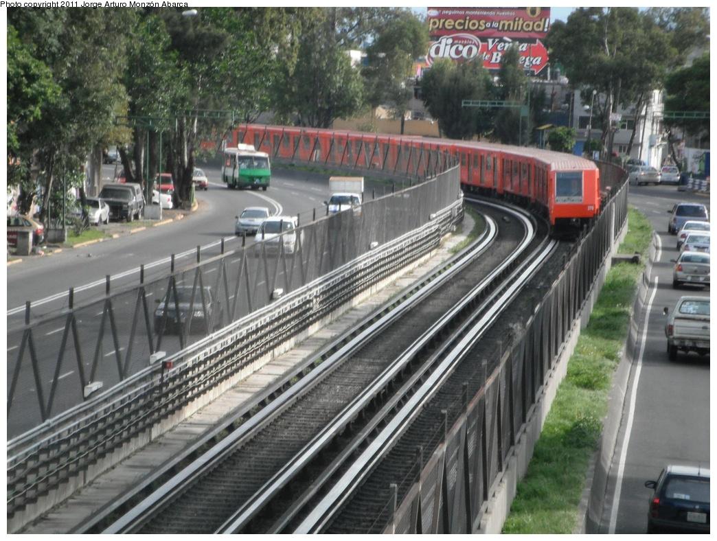 (341k, 1044x788)<br><b>Country:</b> Mexico<br><b>City:</b> Mexico City<br><b>System:</b> Mexico City Metro (Sistema de Transporte Colectivo Metro - STM)<br><b>Line:</b> STC Metro Line 8<br><b>Location:</b> Coyuya<br><b>Photo by:</b> Jorge Arturo Monzón Abarca<br><b>Date:</b> 9/16/2011<br><b>Viewed (this week/total):</b> 1 / 590