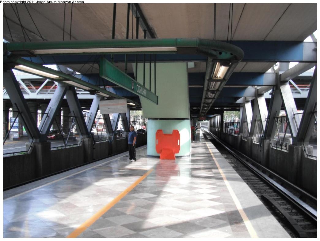 (252k, 1044x788)<br><b>Country:</b> Mexico<br><b>City:</b> Mexico City<br><b>System:</b> Mexico City Metro (Sistema de Transporte Colectivo Metro - STM)<br><b>Line:</b> STC Metro Line 8<br><b>Location:</b> Coyuya<br><b>Photo by:</b> Jorge Arturo Monzón Abarca<br><b>Date:</b> 9/16/2011<br><b>Viewed (this week/total):</b> 0 / 489