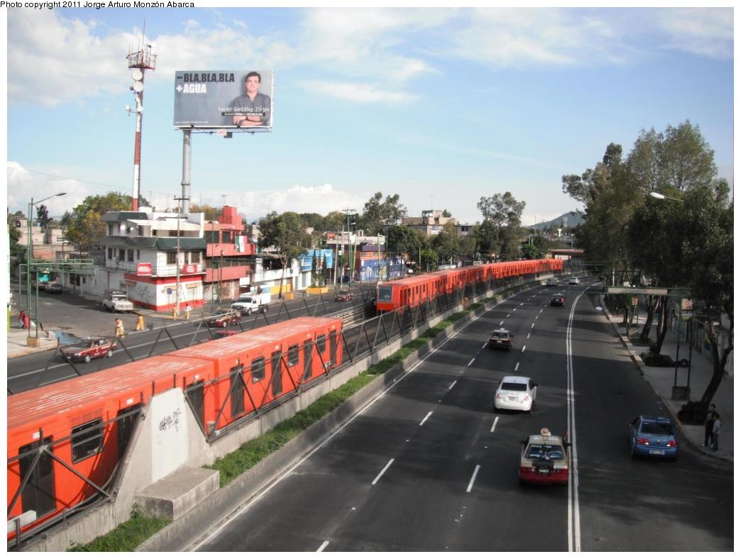 (276k, 1044x788)<br><b>Country:</b> Mexico<br><b>City:</b> Mexico City<br><b>System:</b> Mexico City Metro (Sistema de Transporte Colectivo Metro - STM)<br><b>Line:</b> STC Metro Line 8<br><b>Location:</b> Iztacalco<br><b>Photo by:</b> Jorge Arturo Monzón Abarca<br><b>Date:</b> 9/16/2011<br><b>Viewed (this week/total):</b> 0 / 390