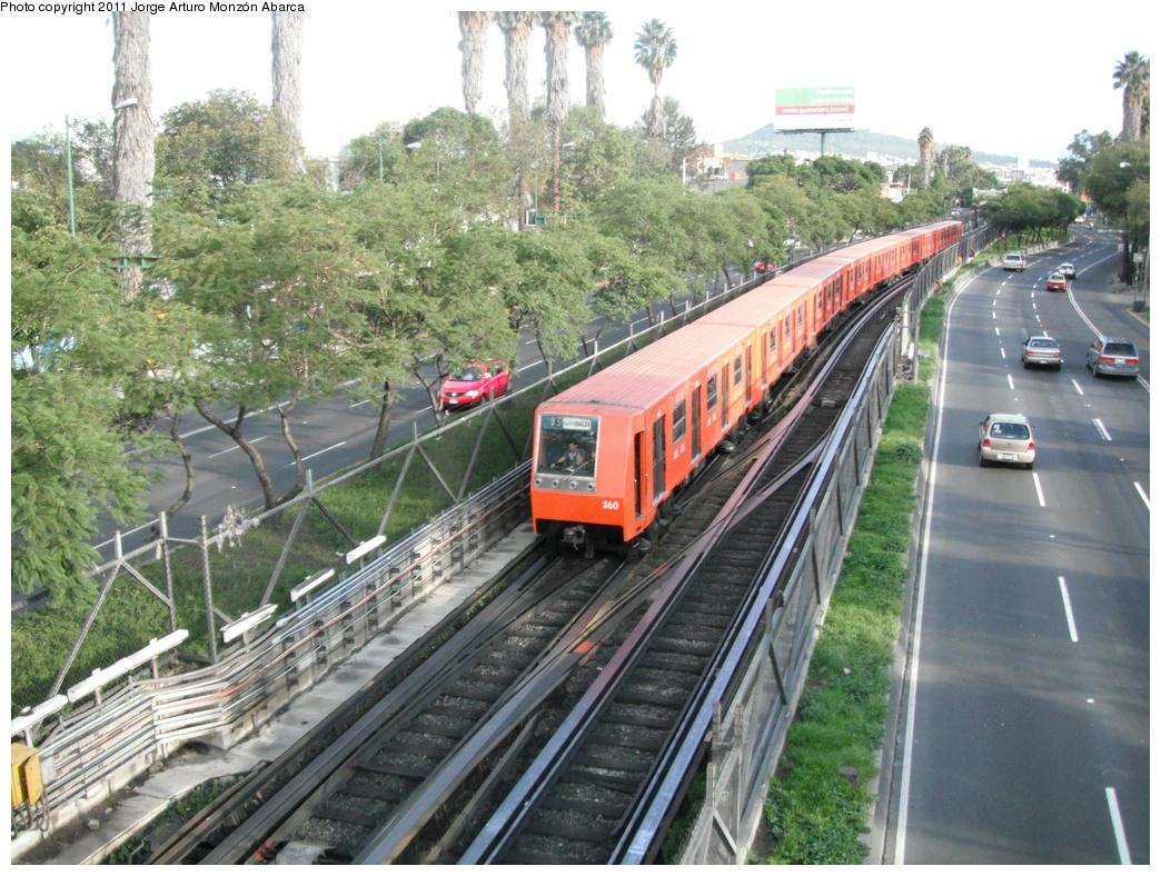 (355k, 1044x788)<br><b>Country:</b> Mexico<br><b>City:</b> Mexico City<br><b>System:</b> Mexico City Metro (Sistema de Transporte Colectivo Metro - STM)<br><b>Line:</b> STC Metro Line 8<br><b>Location:</b> Apatlaco<br><b>Photo by:</b> Jorge Arturo Monzón Abarca<br><b>Date:</b> 9/16/2011<br><b>Viewed (this week/total):</b> 0 / 579