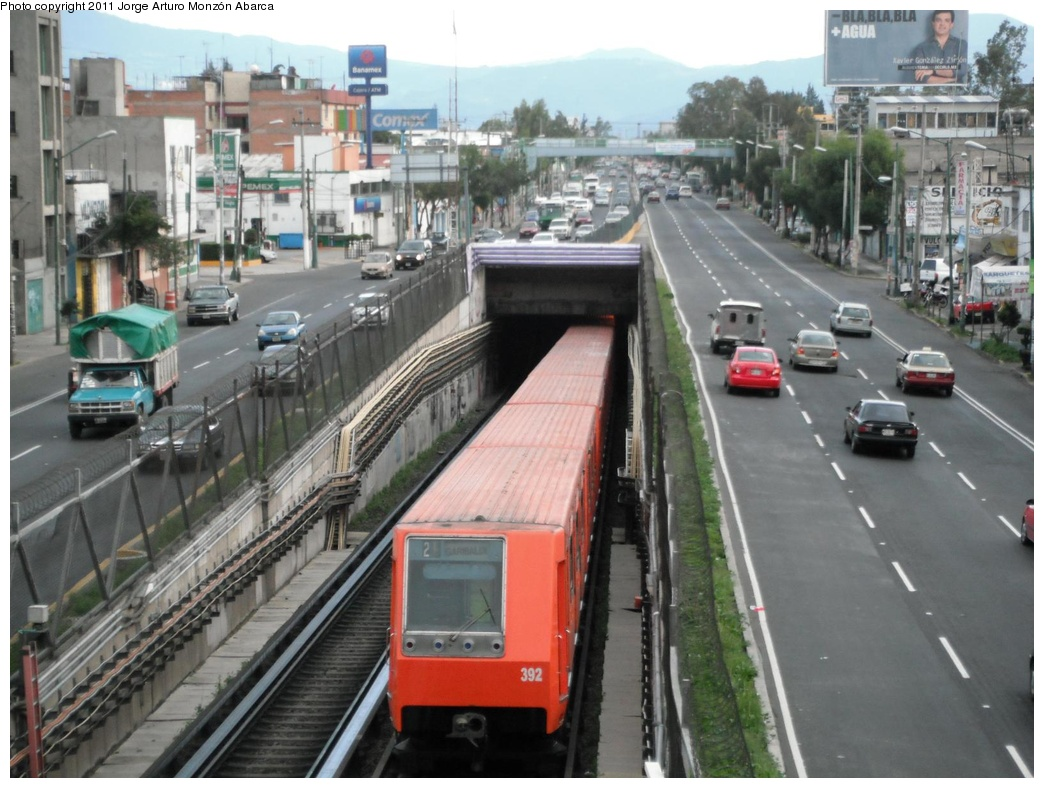 (295k, 1044x788)<br><b>Country:</b> Mexico<br><b>City:</b> Mexico City<br><b>System:</b> Mexico City Metro (Sistema de Transporte Colectivo Metro - STM)<br><b>Line:</b> STC Metro Line 8<br><b>Location:</b> Aculco<br><b>Photo by:</b> Jorge Arturo Monzón Abarca<br><b>Date:</b> 9/16/2011<br><b>Viewed (this week/total):</b> 0 / 515