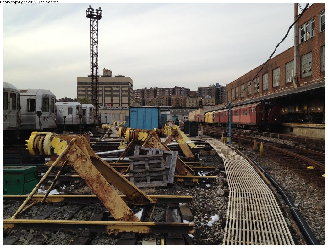 (348k, 1044x788)<br><b>Country:</b> United States<br><b>City:</b> New York<br><b>System:</b> New York City Transit<br><b>Location:</b> 207th Street Yard<br><b>Photo by:</b> Daniel Negron<br><b>Date:</b> 10/31/2011<br><b>Viewed (this week/total):</b> 3 / 640