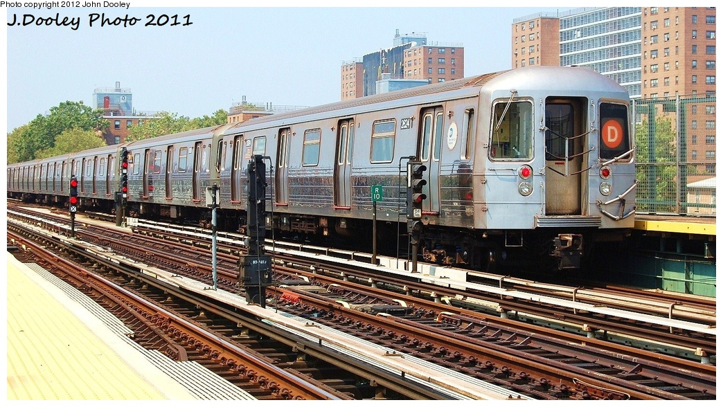(387k, 1044x588)<br><b>Country:</b> United States<br><b>City:</b> New York<br><b>System:</b> New York City Transit<br><b>Line:</b> BMT West End Line<br><b>Location:</b> Bay 50th Street <br><b>Route:</b> D<br><b>Car:</b> R-68 (Westinghouse-Amrail, 1986-1988)  2624 <br><b>Photo by:</b> John Dooley<br><b>Date:</b> 7/20/2011<br><b>Viewed (this week/total):</b> 1 / 1067