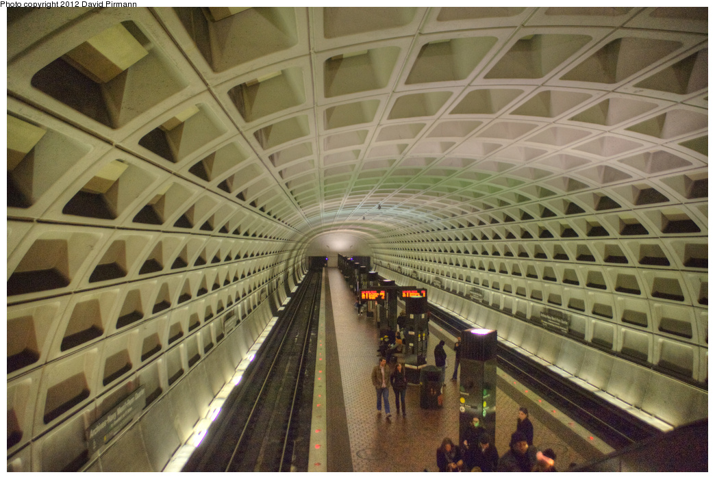 (353k, 1044x700)<br><b>Country:</b> United States<br><b>City:</b> Washington, D.C.<br><b>System:</b> Washington Metro (WMATA)<br><b>Line:</b> WMATA Green/Yellow Line<br><b>Location:</b> Archives-Navy Memorial <br><b>Photo by:</b> David Pirmann<br><b>Date:</b> 1/14/2012<br><b>Viewed (this week/total):</b> 1 / 714
