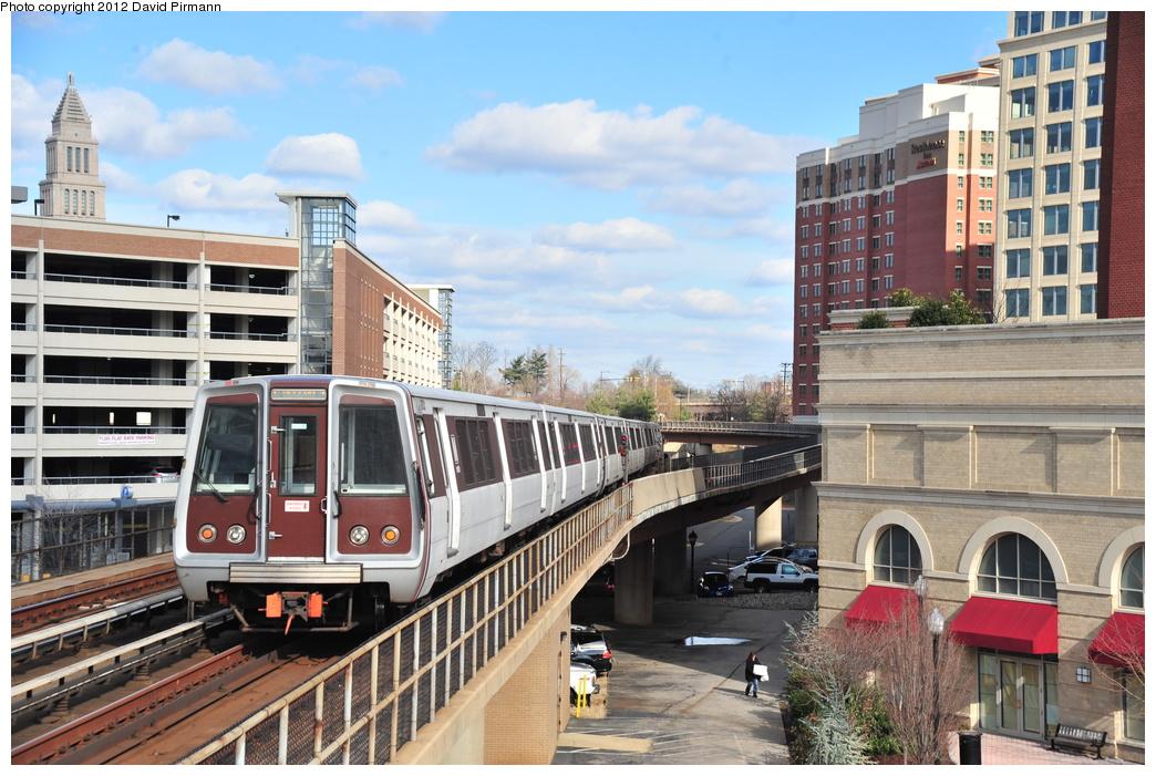 (384k, 1044x701)<br><b>Country:</b> United States<br><b>City:</b> Washington, D.C.<br><b>System:</b> Washington Metro (WMATA)<br><b>Line:</b> WMATA Yellow Line<br><b>Location:</b> Eisenhower Avenue <br><b>Car:</b>  2031 <br><b>Photo by:</b> David Pirmann<br><b>Date:</b> 1/14/2012<br><b>Viewed (this week/total):</b> 0 / 990