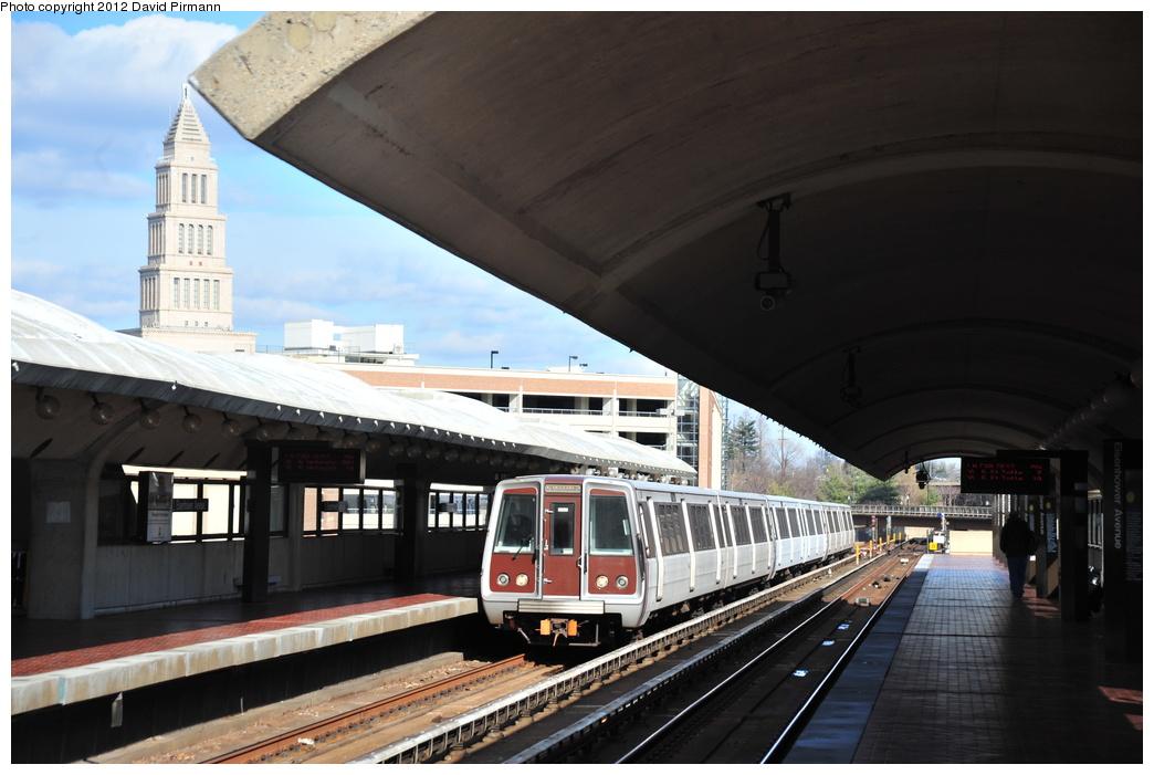 (301k, 1044x701)<br><b>Country:</b> United States<br><b>City:</b> Washington, D.C.<br><b>System:</b> Washington Metro (WMATA)<br><b>Line:</b> WMATA Yellow Line<br><b>Location:</b> Eisenhower Avenue <br><b>Car:</b>  3235 <br><b>Photo by:</b> David Pirmann<br><b>Date:</b> 1/14/2012<br><b>Viewed (this week/total):</b> 0 / 866
