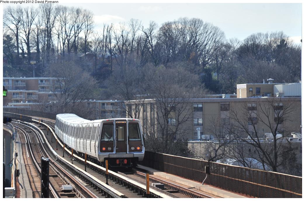 (410k, 1044x688)<br><b>Country:</b> United States<br><b>City:</b> Washington, D.C.<br><b>System:</b> Washington Metro (WMATA)<br><b>Line:</b> WMATA Yellow Line<br><b>Location:</b> Eisenhower Avenue <br><b>Photo by:</b> David Pirmann<br><b>Date:</b> 1/14/2012<br><b>Viewed (this week/total):</b> 1 / 878