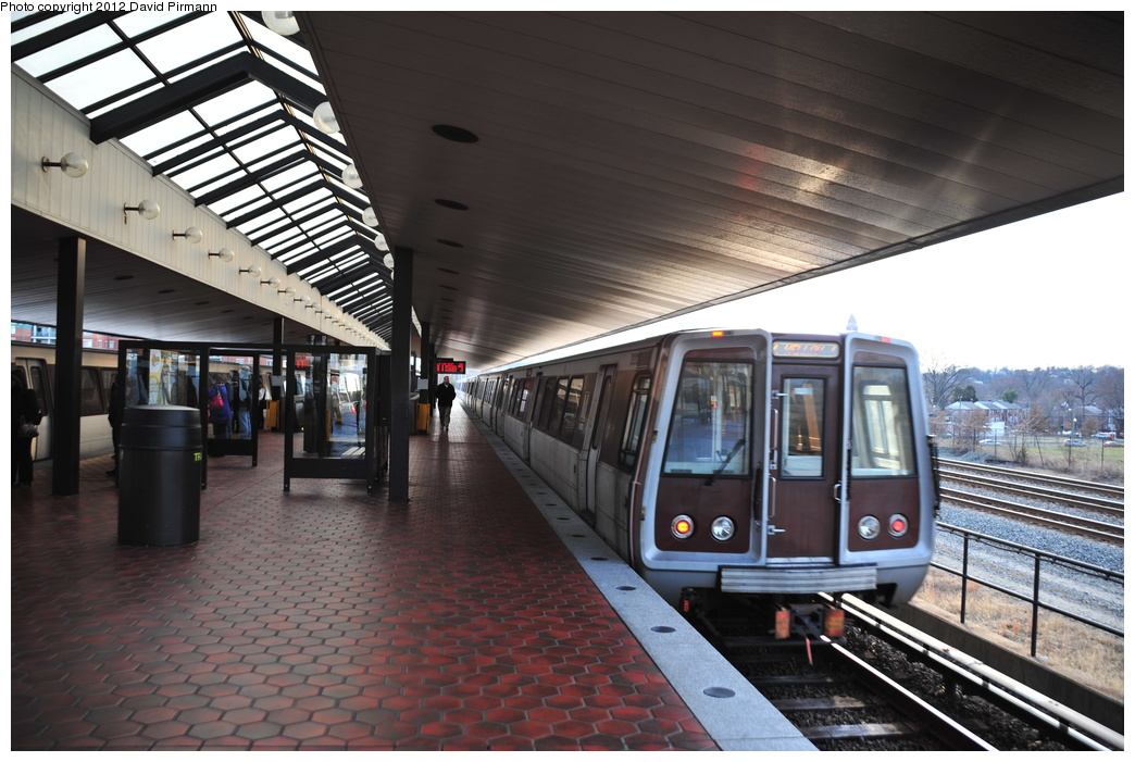 (342k, 1044x701)<br><b>Country:</b> United States<br><b>City:</b> Washington, D.C.<br><b>System:</b> Washington Metro (WMATA)<br><b>Line:</b> WMATA Blue/Yellow Line<br><b>Location:</b> Braddock Road <br><b>Photo by:</b> David Pirmann<br><b>Date:</b> 1/14/2012<br><b>Viewed (this week/total):</b> 0 / 625