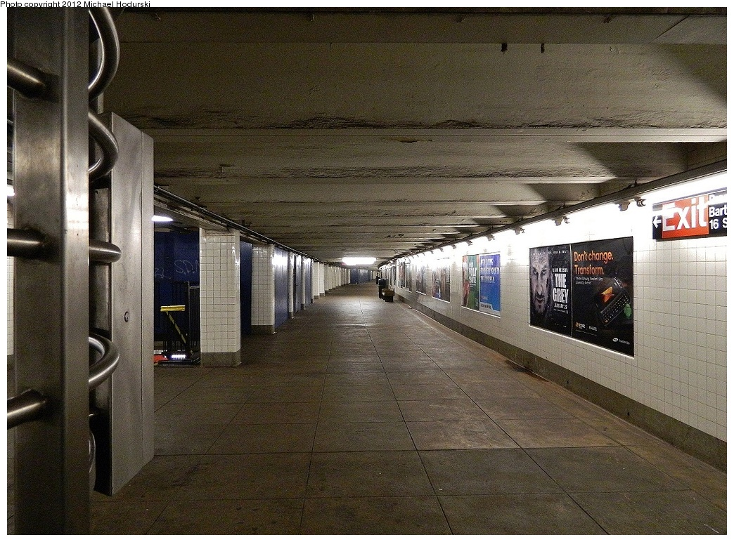 (428k, 1044x772)<br><b>Country:</b> United States<br><b>City:</b> New York<br><b>System:</b> New York City Transit<br><b>Line:</b> IND Crosstown Line<br><b>Location:</b> 15th Street/Prospect Park <br><b>Photo by:</b> Michael Hodurski<br><b>Date:</b> 1/12/2012<br><b>Viewed (this week/total):</b> 0 / 905