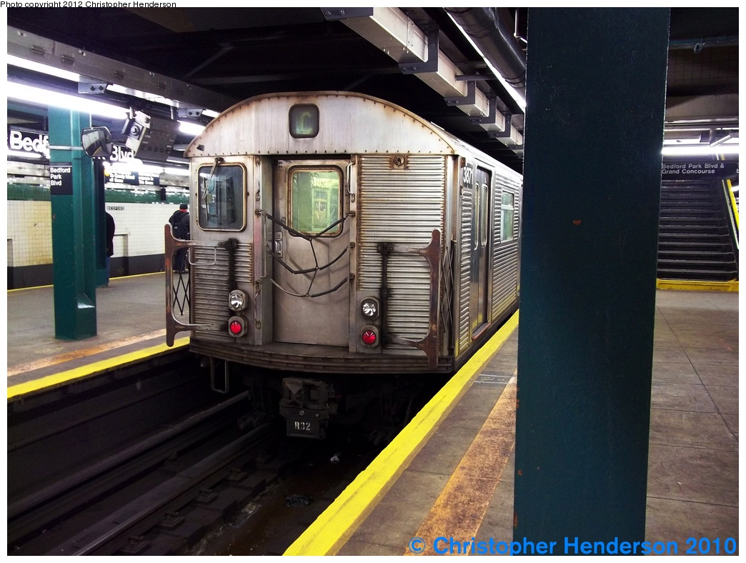 (297k, 1044x788)<br><b>Country:</b> United States<br><b>City:</b> New York<br><b>System:</b> New York City Transit<br><b>Line:</b> IND Concourse Line<br><b>Location:</b> Bedford Park Boulevard <br><b>Route:</b> C reroute<br><b>Car:</b> R-32 (Budd, 1964)  3871 <br><b>Photo by:</b> Christopher Henderson<br><b>Date:</b> 12/19/2010<br><b>Viewed (this week/total):</b> 2 / 1347