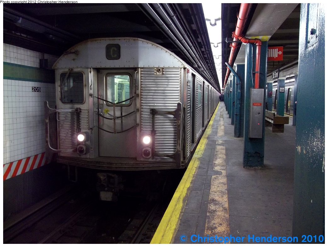 (302k, 1044x788)<br><b>Country:</b> United States<br><b>City:</b> New York<br><b>System:</b> New York City Transit<br><b>Line:</b> IND Concourse Line<br><b>Location:</b> 205th Street <br><b>Route:</b> C reroute<br><b>Car:</b> R-32 (Budd, 1964)  3404 <br><b>Photo by:</b> Christopher Henderson<br><b>Date:</b> 12/19/2010<br><b>Viewed (this week/total):</b> 2 / 1703